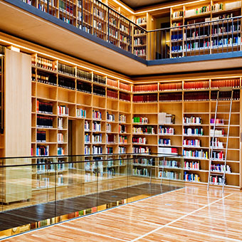 Things To Do in Elkhart: Hesburgh Library