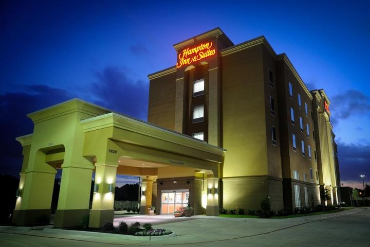 Hampton Inn & Suites Houston I 10 / Central photo collage