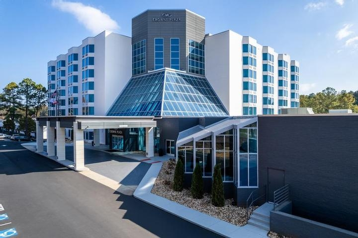Garden Plaza Hotel photo collage