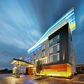 Exterior of Aloft Bolingbrook