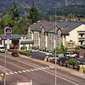 Exterior of Best Western Plus Columbia River Inn