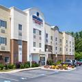 Exterior of Candlewood Suites Macon