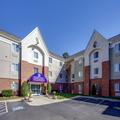 Exterior of Candlewood Suites Raleigh / Crabtree