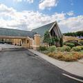 Exterior of Econo Lodge Whippany