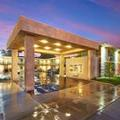 Exterior of Eden Roc Inn & Suites Anaheim