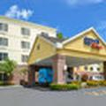 Exterior of Fairfield Inn Orlando Airport
