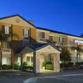 Exterior of Fairfield Inn Santa Clarita