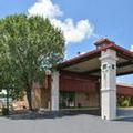 Exterior of Four Seasons Hotel Atlanta