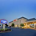 Exterior of Hampton Inn Seekonk
