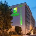 Exterior of Holiday Inn Cherry Hill