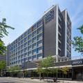 Exterior of Holiday Inn Downtown Windsor