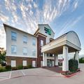 Exterior of Holiday Inn Express Cleburne