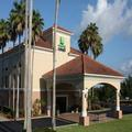 Exterior of Holiday Inn Express Clermont