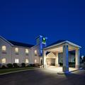 Exterior of Holiday Inn Express Cleveland Vermilion