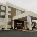 Exterior of Holiday Inn Express Columbia Two Notch
