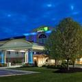 Exterior of Holiday Inn Express Hotel & Suites Marion Oh