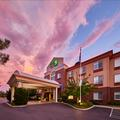 Exterior of Holiday Inn Express Hotel & Suites Medford Central