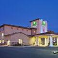 Exterior of Holiday Inn Express Lodi