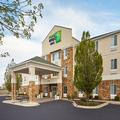 Exterior of Holiday Inn Express Pekin