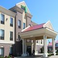 Exterior of Holiday Inn Express Shelbyville Indiana