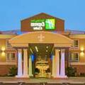 Exterior of Holiday Inn Express & Suites Alexandria