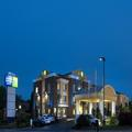 Exterior of Holiday Inn Express & Suites Anderson & Clemson