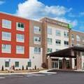 Exterior of Holiday Inn Express & Suites Cartersville