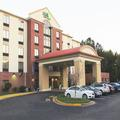 Image of Holiday Inn Express & Suites Chesapeake