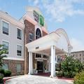 Exterior of Holiday Inn Express & Suites Conroe