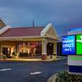 Image of Holiday Inn Express & Suites Corinth