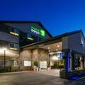 Exterior of Holiday Inn Express & Suites Everett