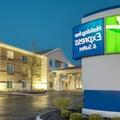 Exterior of Holiday Inn Express & Suites Greenville