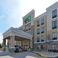 Exterior of Holiday Inn Express & Suites Indianapolis W Airpor