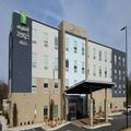 Exterior of Holiday Inn Express & Suites Macon North