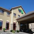 Exterior of Holiday Inn Express & Suites Olathe North
