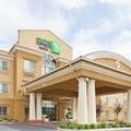 Exterior of Holiday Inn Express & Suites Salinas