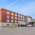 Exterior of Holiday Inn Express & Suites Siloam Springs
