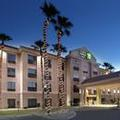 Image of Holiday Inn Express & Suites Yuma