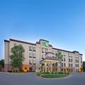 Exterior of Holiday Inn Express & Suites in Minnetoka
