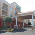 Exterior of Holiday Inn Express Tifton