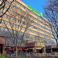 Exterior of Holiday Inn Secaucus