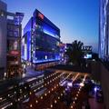Exterior of Luxe City Center Los Angeles