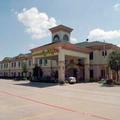 Exterior of Quality Inn & Suites