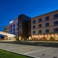 Exterior of Staybridge Suites Akron / Stow