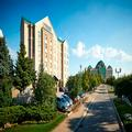 Exterior of Staybridge Suites Oakville Burlington