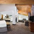 Swimming pool at Baymont Inn & Suites Columbus / Rickenbacker