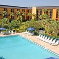 Swimming pool at Baymont Inn & Suites Orlando Universal Blvd.