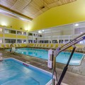 Swimming pool at Best Western Lakewinds