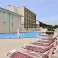 Swimming pool at Best Western Plus Holiday Sands Inn & Suites
