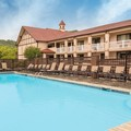 Swimming pool at Best Western Plus Riverpark Inn & Conference Cen